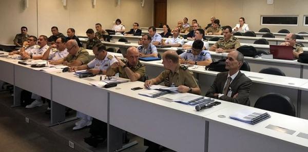Curso de Estado-Maior Conjunto da ESG recebe integrantes do Estado-Maior Conjunto das Forças Armadas (EMCFA)
